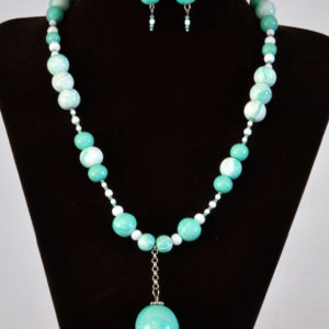Mint green and white necklace set (N004)